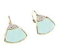 Brincos de diamantes triangulares