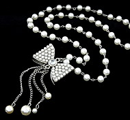 Silver Plated Alloy Pearl Bowknot Pattern Necklace