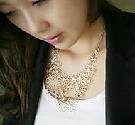 Women's Fashion Cut Out Floral Necklace