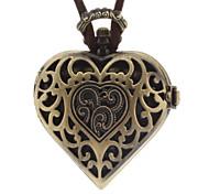 En forme de coeur d'alliage de cru de collier de quartz Montre analogique femmes