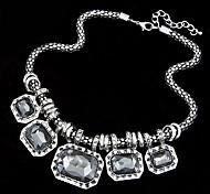 European Style Metal Gorgeous Gem Short Necklace