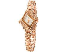 Diamante de la Mujer Dial venda de la aleación de pulsera de cuarzo analógico (colores surtidos)