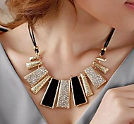 Lureme®Fashion Crystal Geometrical Irregular Necklace