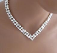 doppio collana di perle a forma di v delle donne