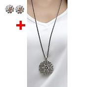 Diamond Bohemian Hollow-out Decorative Pattern Stud Earrings Necklace Set