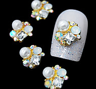 10pcs  Golden Fashion 3D Alloy Pearl Rhinestone Nail Art Decoration
