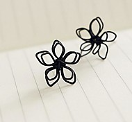 Hand Hollow-Out lotus Flowers Stud Earrings