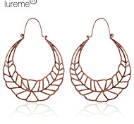 Lureme®Hollow Exaggerate Long Leaf Shape Hoop Earrings
