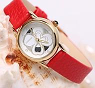 mode de dames trèfle porte-bonheur cadran rond en cuir montre à quartz (couleurs assorties)