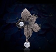 High Quality Dewdrop And Flower Brooch