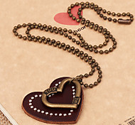 Fashion Heart Shaped Pendant Necklace