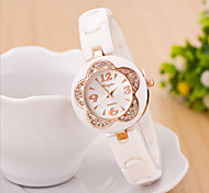 Women's Round Dial Case Rubber Watch Brand Fashion Quartz Watch(Move Color AVail Able)