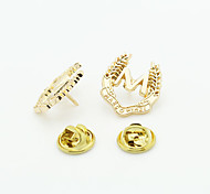 The New European Style Fashion Suit M Word Brooch
