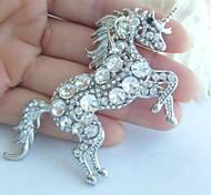 Women Accessories Silver-tone Clear Rhinestone Crystal Unicorn Horse Brooch Art Deco Crystal Scarf Brooch Women Jewelry