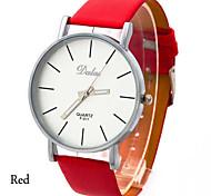 conception simple la montre à quartz de la mode des femmes PU