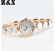 La montre-bracelet à quartz strass de la mode des femmes (couleurs assorties)