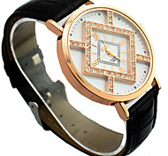 Women's Shinning Design PU Analog Quartz Wrist Fashion Watch