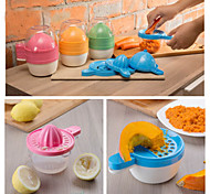 6pcs Kitchen Gadget Juicer Grinder Egg Separator Shredder Funnel Tool (Random Color)