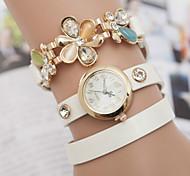 femme Diamond Watch fleur poignet
