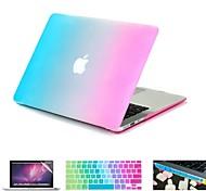 4 en 1 colorido del arco iris caso + cubierta del teclado dura recubierta de goma + protector de la pantalla + enchufe del polvo para el