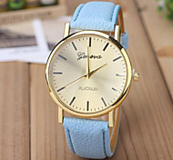 Unisex Fashion Watch Nailed Belt Quartz Watch