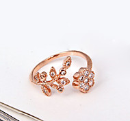 European Style Fashion Elegant Shiny Rhinestone Flower Leaves Band Ring