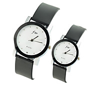 mode casual Montre PU bande de quartz du couple