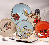 10.5 -inch Hand-Painted Ceramic Retro Plate (Random Style)