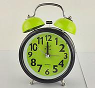 (Случайный цвет) 3-дюймовый изысканный моды подарок будильник колокола немой движение с ночником