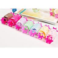 syntymäpäivä lahja Candy muoto kuitu luova pyyhe (random väri)