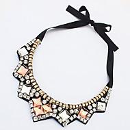 女性用 チョーカー 模造ダイヤモンド 幾何学形 アクリル 合金 ライトブラウン ジュエリー のために パーティー 日常 カジュアル 1個