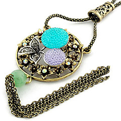 Leaf Flower Hollow Round Pendant Necklace(Random Color)
