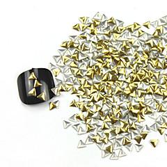 קישוטי 300pcs 3D משולש זהב נייל ארט סגסוגת זהב וכסף