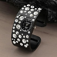 Women Round Dial rhinestone Crystal Dinner Party Quartz Analog Alloy Bracelet Watch (Assorted Colors) Cool Watches Unique Watches