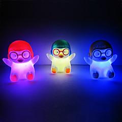 Penguin Rotocast Farveskiftende Nat Lys (Tilfældig Farve)