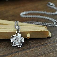 Fashion Zircon Rose Pendant Necklace