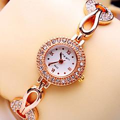 Women's New Luxury Trend Round Rome Number Diamond Dial Diamond Strap Fashion Quartz Bracelet Watch (Assorted Colors)