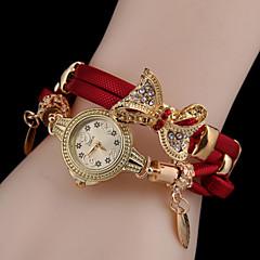 Mulheres Relógio de Moda Bracele Relógio Quartzo Relógio Casual Couro Banda Borboleta Preta Azul Vermelho Verde Dourada RoseVermelho