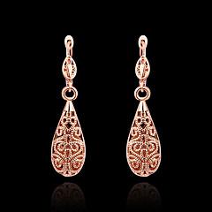 Damskie Kolczyki wiszące biżuteria kostiumowa Cyrkonia Pozłacane 18K złoty Cross Shape Biżuteria Na