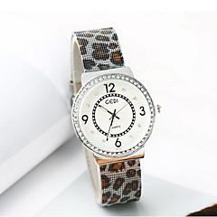 Női Divatos óra Szimulált Gyémánt Karóra Japán kvarc Vízálló ötvözet Zenekar Leopárd Menő Alkalmi Luxus Ezüst Pink