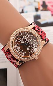damemode kvindelige leopard bredbånd diamant quartz ur
