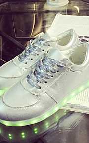 Zapatos de mujer-Tacón Plano-Punta Redonda-Sneakers a la Moda-Exterior / Casual / Deporte-Semicuero-Plata