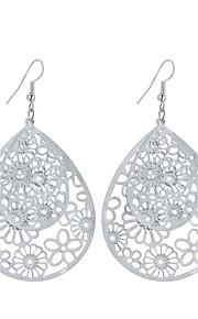 Dame Dråbeøreringe Smykker Blomster Hængende Mode Vintage Boheme Stil minimalistisk stil Elegant Sølvbelagt Guldbelagt Legering